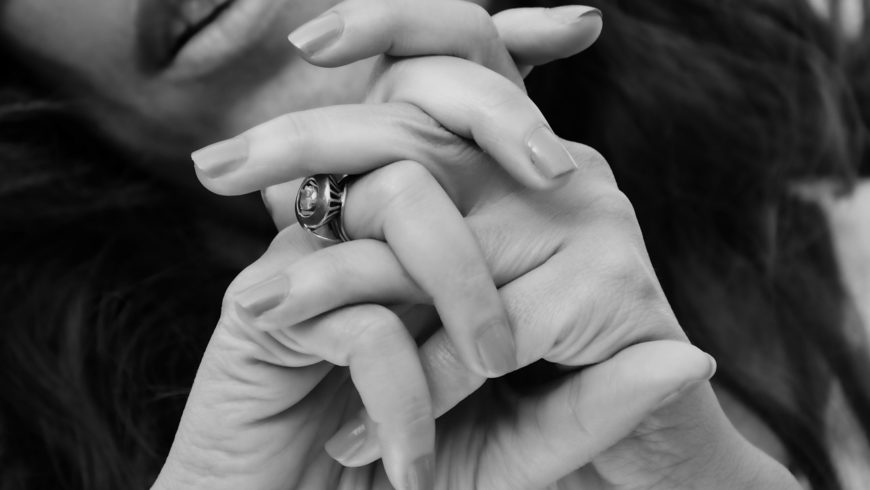 Ad ogni mano la sua forma dell'unghia